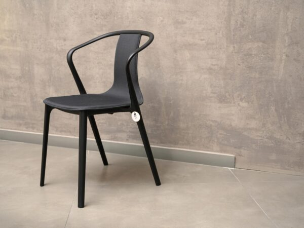 Vitra Belleville karfás szék (1db)