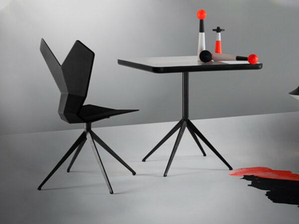 Tom Dixon Y asztal (1db)